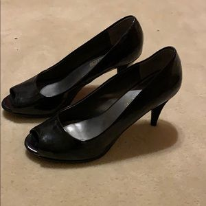 Moda black patent leather heels, open toe, sz 8.5